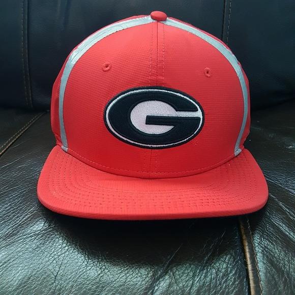 Nike True Dri-Fit Georgia Bulldogs Snapback. M 5bfadf953c984452ab1ffba3.  Other Accessories ... 6e4bc234aa8a